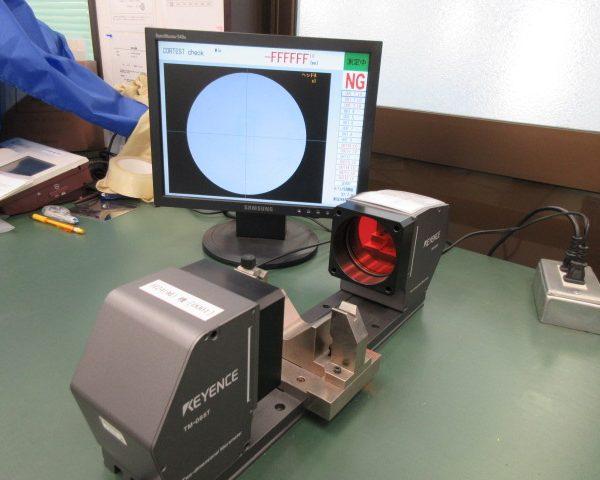 二次元画像寸法測定器